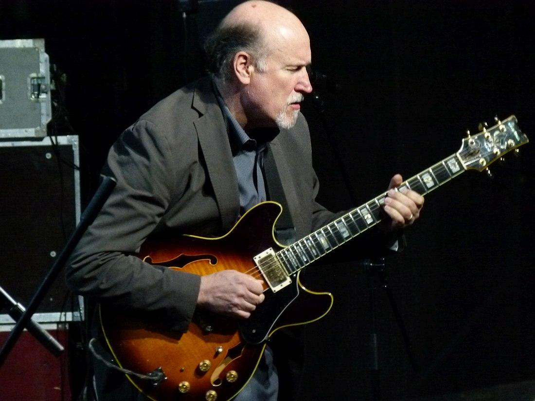 Джон Скофилд на фестивале «Усадьба Джаз», июнь 2011 (фото © Кирилл Мошков, «Джаз.Ру»)