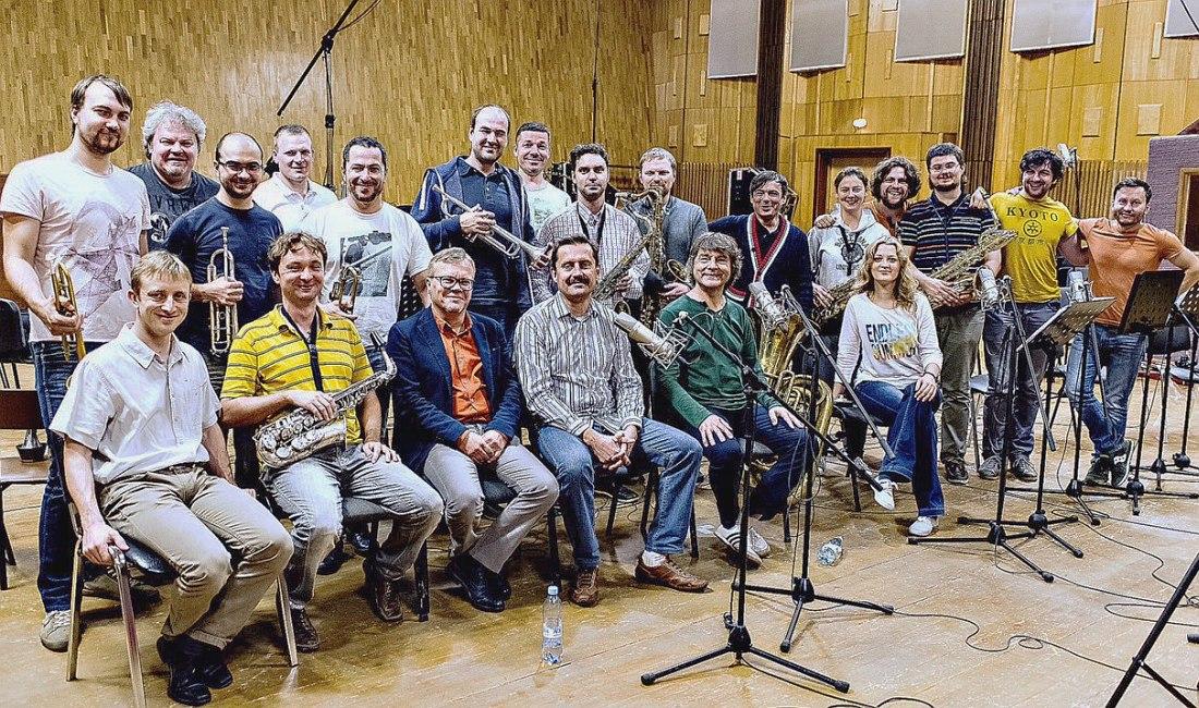 Участники записи альбома «Крупным планом» в тон-студии концерна «Мосфильм»