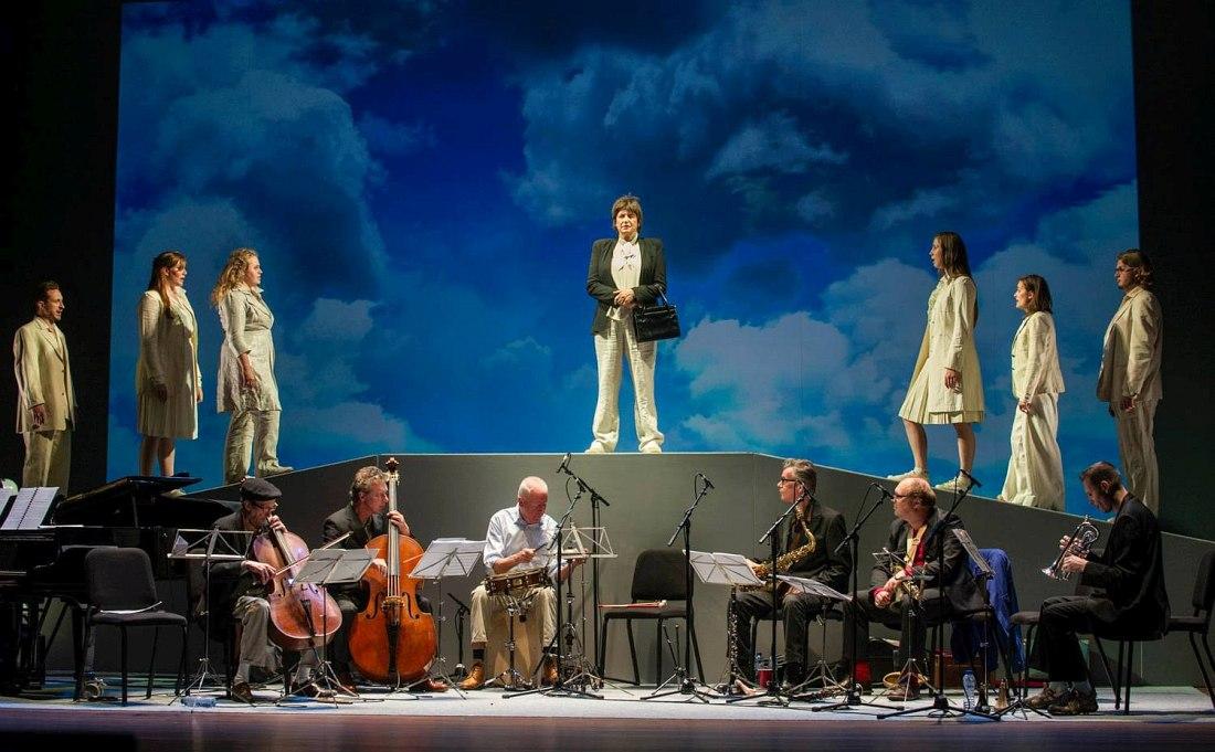 Постановка мюзикла «Koeien» (фото © официальный сайт ICP Orchestra)