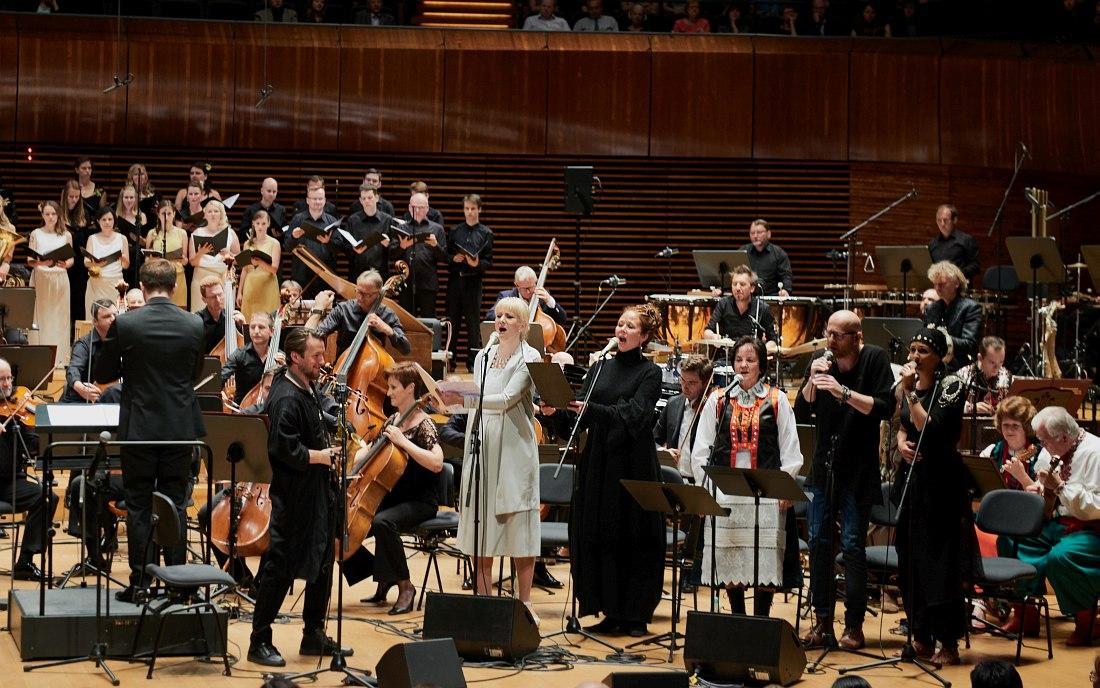 Grzech Piotrowski & World Orchestra
