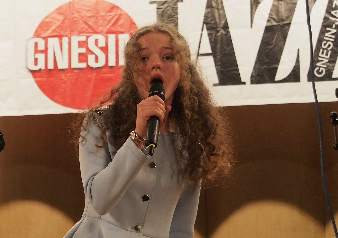 Орлова Анна (1995), Москва. Категория «Солисты», старшая возрастная группа, I премия