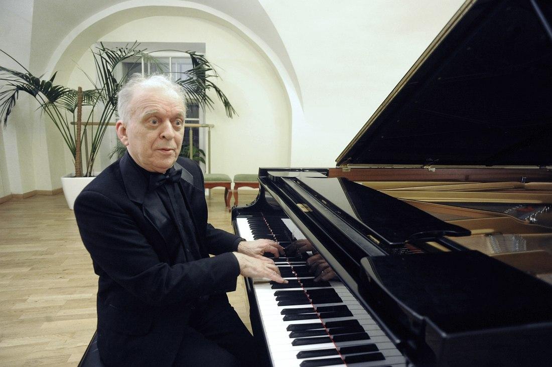 Профессор Консерватории, заслуженный деятель искусств РФ Сергей Мальцев