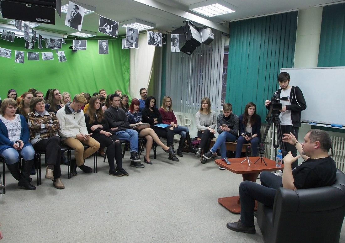 Во время встречи в телестудии ВГУ