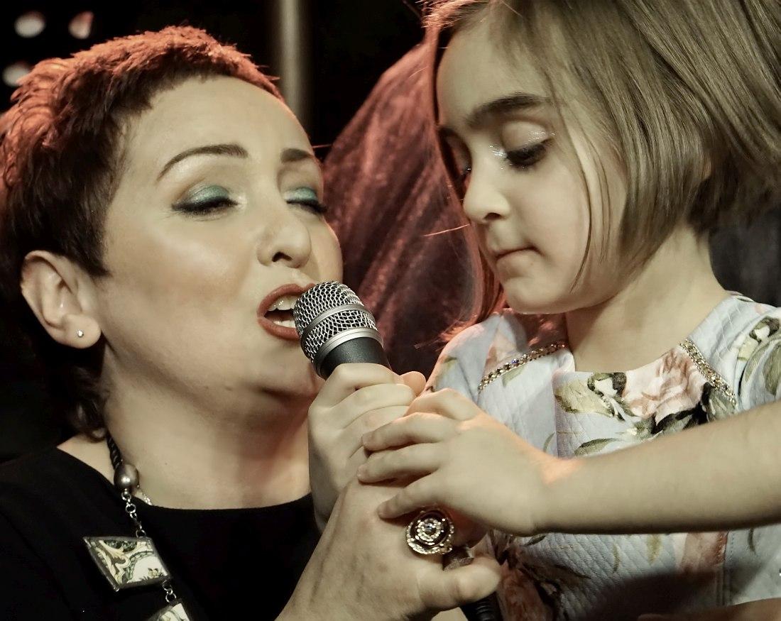 Этери Бериашвили с дочерью Софико