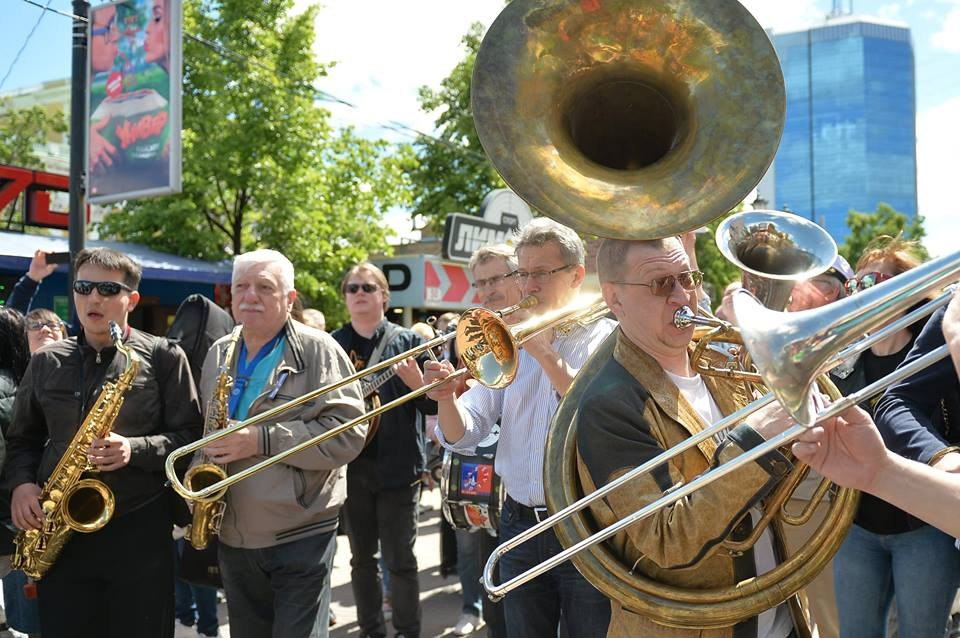 Стрит-парад фестиваля