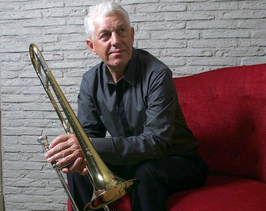 Александр Сухих