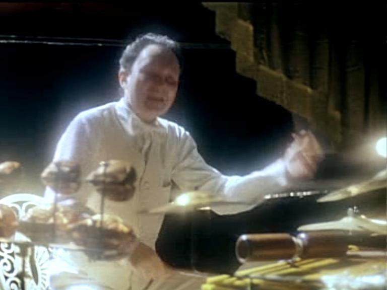 Кадр из фильма «Мы из джаза». Равиль Садыков