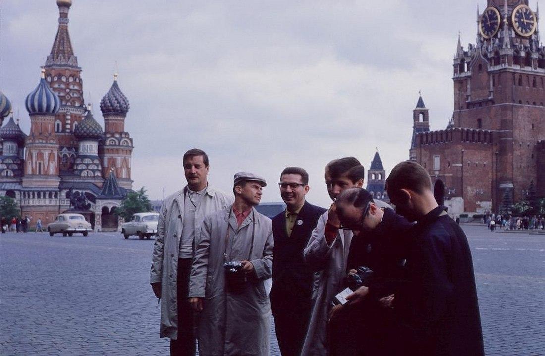 Участники оркестра Бенни Гудмана на Красной площади, 1962. Билл Кроу крайний справа.