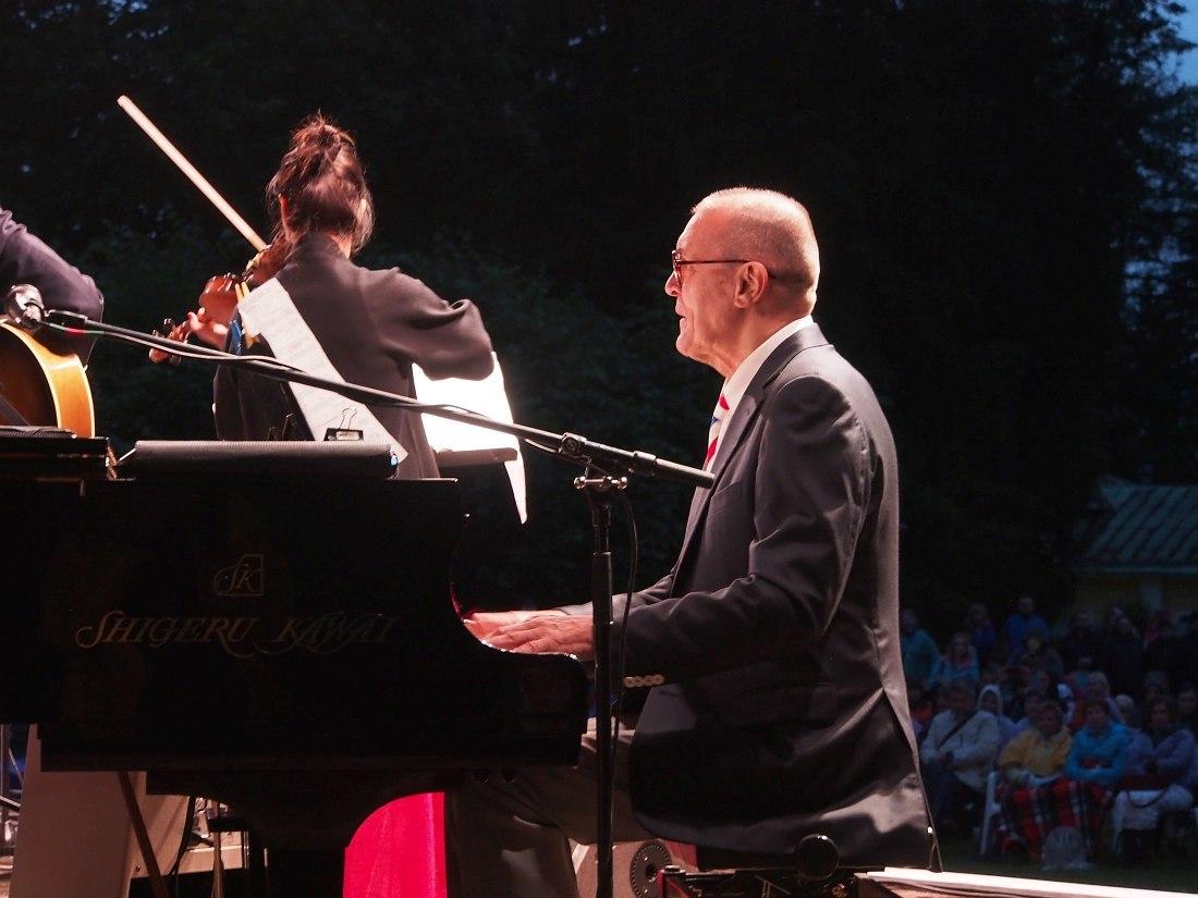 Николай Левиновский в Московском джазовом оркестре Игоря Бутмана