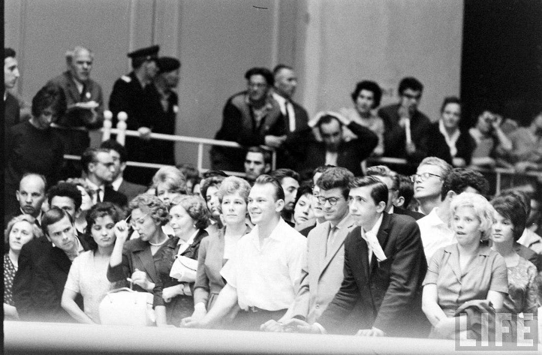 Советские слушатели на концерте оркестра Бенни Гудмана (фото: Stan Wayman / Life Magazine © Time Inc.)