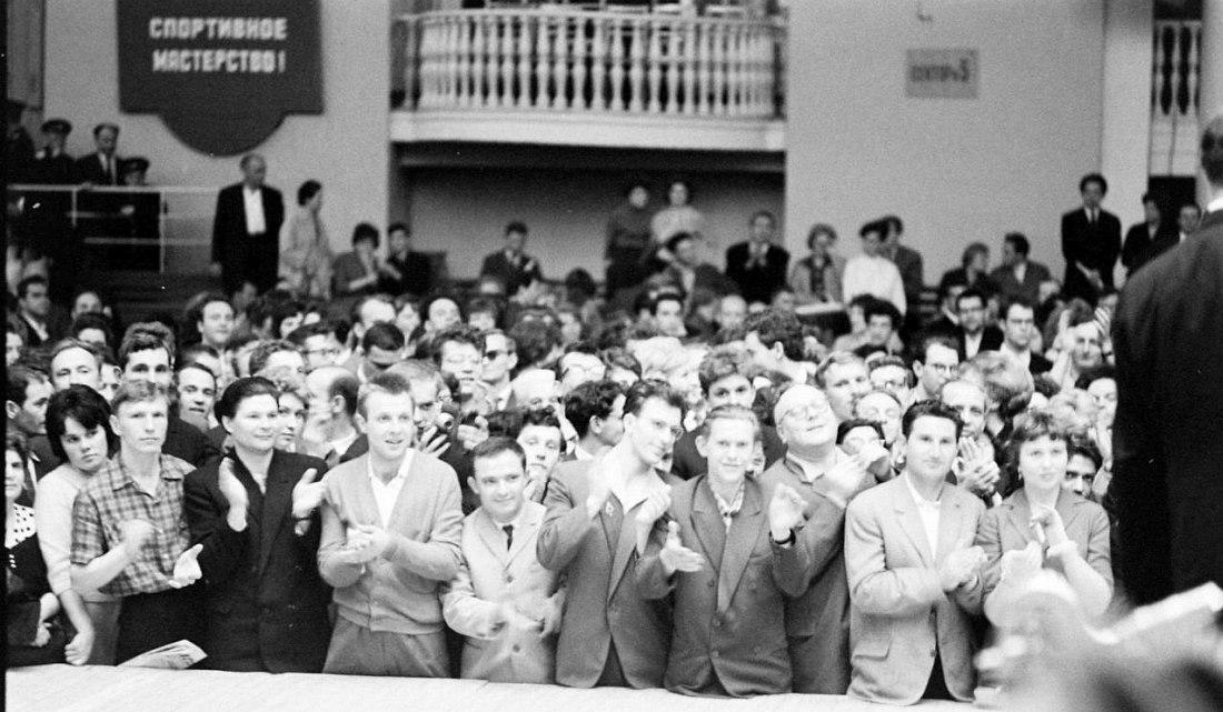 Советская публика на концерте оркестра Бенни Гудмана (фото: Stan Wayman / Life Magazine © Time Inc.)