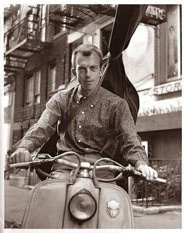 Билл Кроу на улицах Нью-Йорка в начале 1960-х