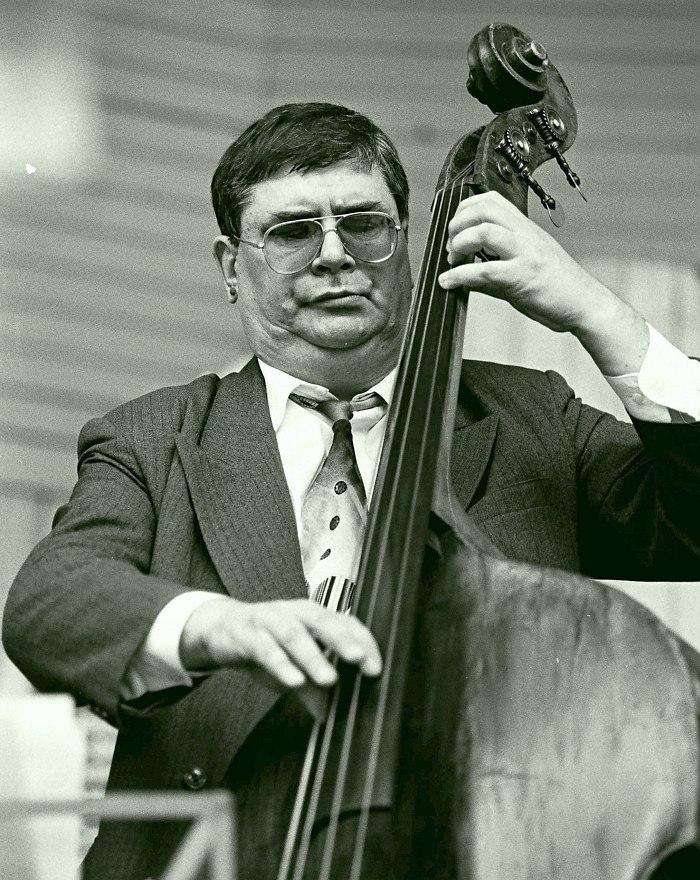 Анатолий Соболев в составе ансамбля «Звёзды российского джаза» на II фестивале «Джаз в саду Эрмитаж», 1999
