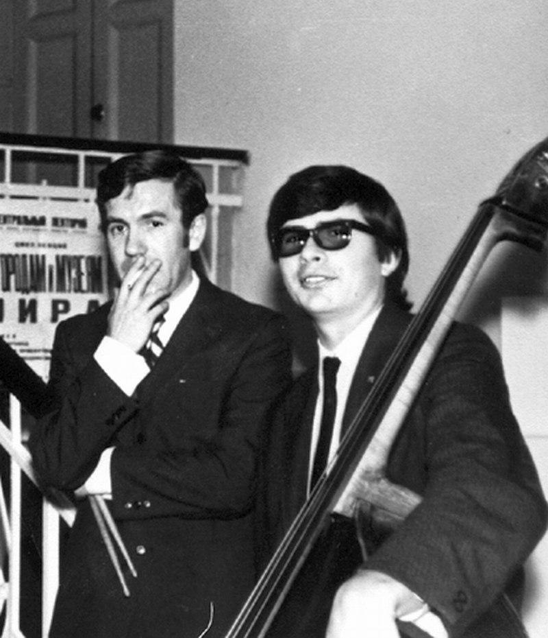Барабанщик Валерий Буланов и Анатолий Соболев, 1970-е гг.