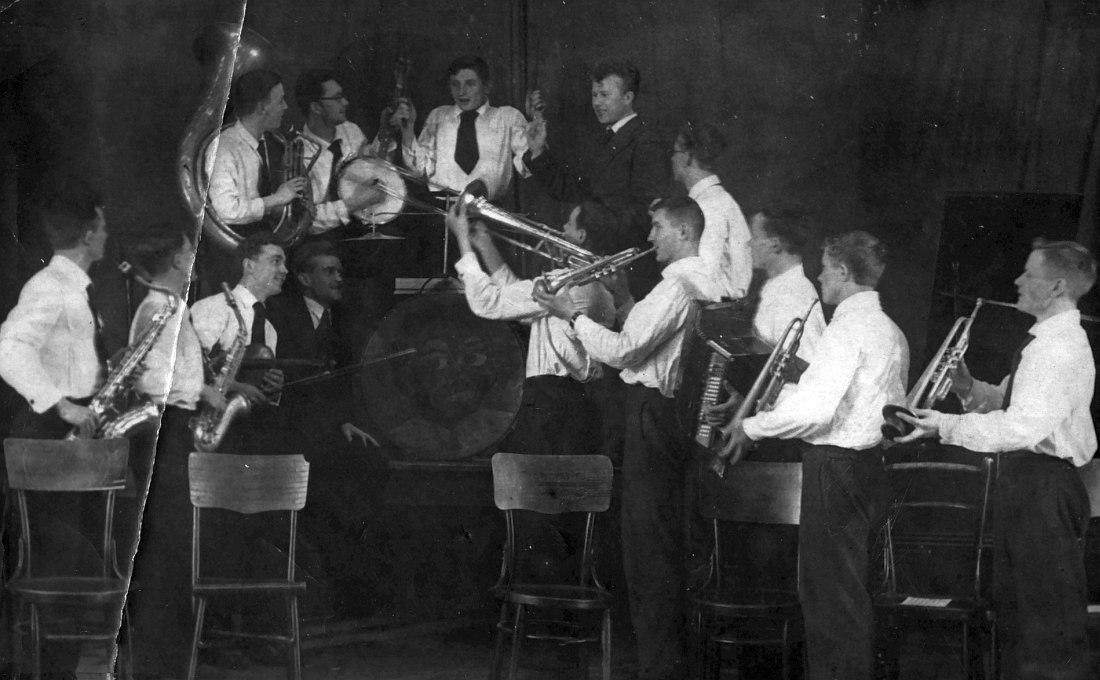 Джаз звучал по всей стране. Джаз-оркестр Куйбышевского индустриального института (ныне Самарский государственный технический университет), 1938