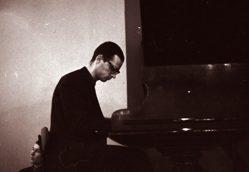 Вадим Сакун в кафе «Молодёжное», 1964