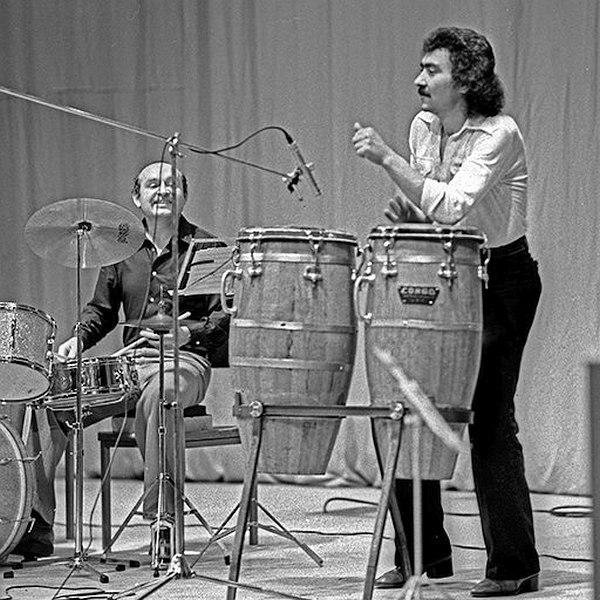 Юрий Генбачёв (справа) в составе «Аллегро» (слева барабанщик Виктор Епанешников). Фото © Александр Забрин, 1978