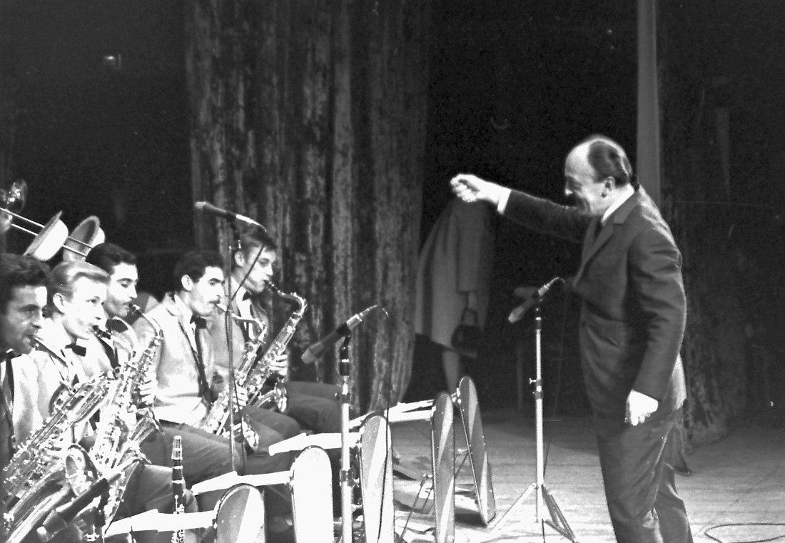 Геннадий Гольштейн (третий слева) в оркестре Эдди Рознера на Московском джаз-фестивале 1967 г. (фото © Михаил Кулль)