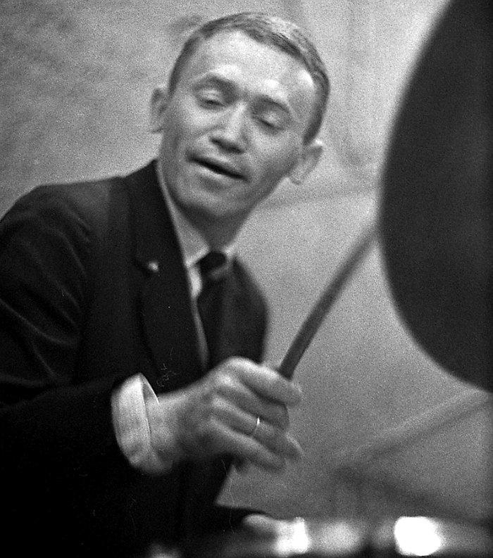 Владимир Журавский в кафе «Аэлита». Москва, начало 60-х гг. Фото © Михаил Кулль