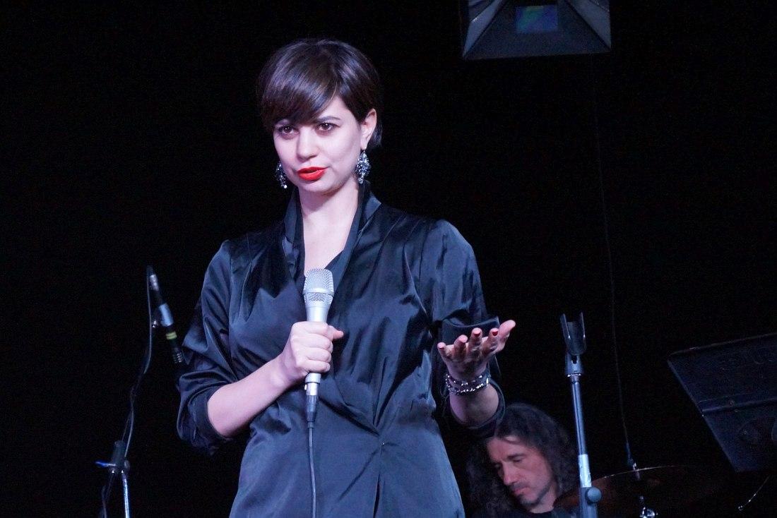 Анна Колчина на концерте
