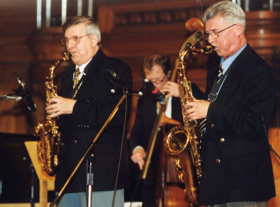 Георгий Гаранян и Станислав Григорьев на сцене Большого зала Московской консерватории, 2000 (фото © Павел Корбут)
