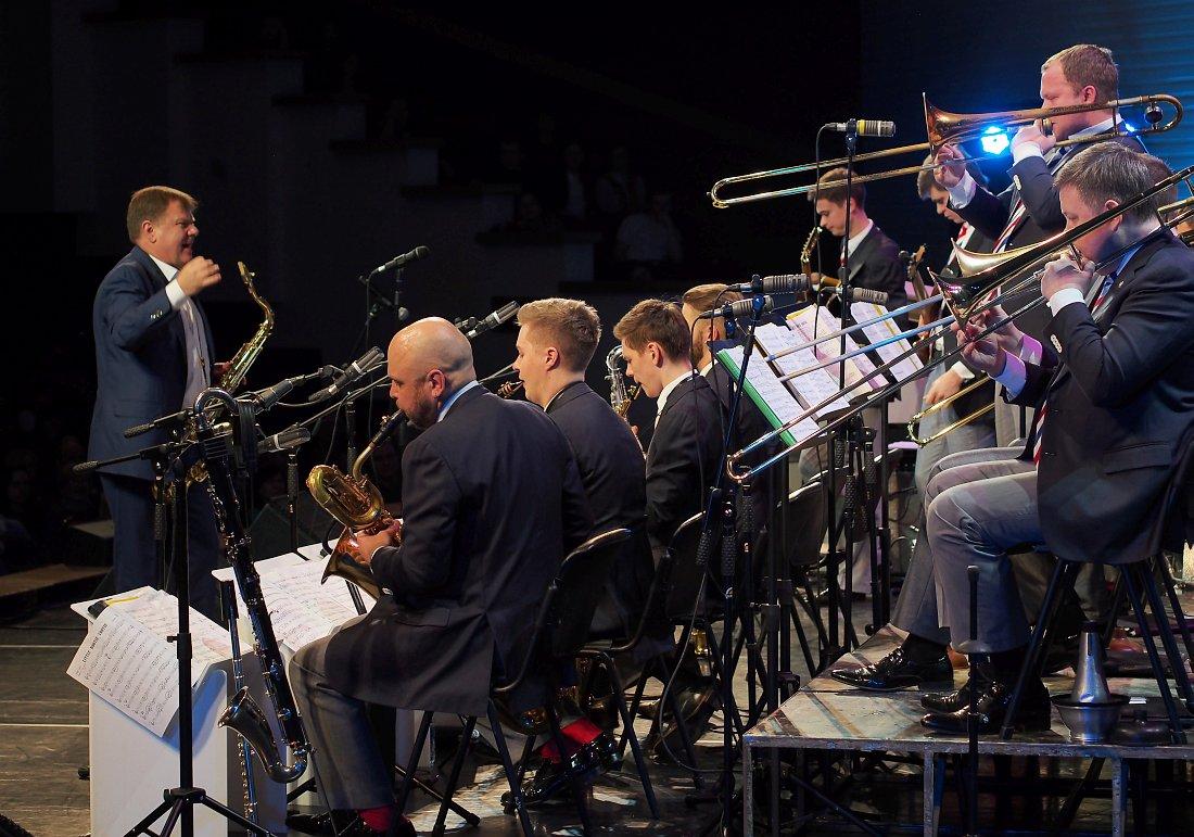 Игорь Бутман и Московский джазовый оркестр (фото © Кирилл Мошков, «Джаз.Ру»)