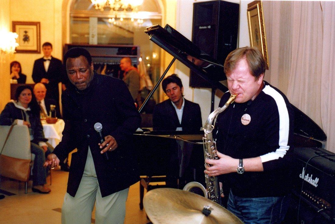 Джордж Бенсон, Антон Баронин, Игорь Бутман (фото © Павел Корбут, 2002)