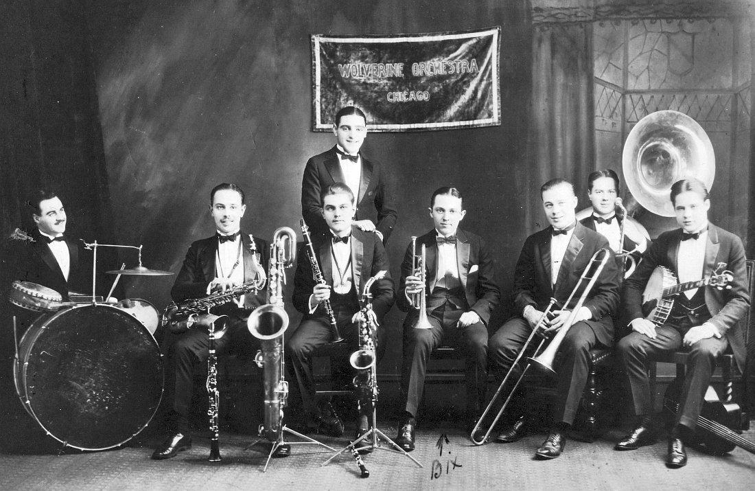 The Wolverines, 1924 (Бикс — четвёртый справа)