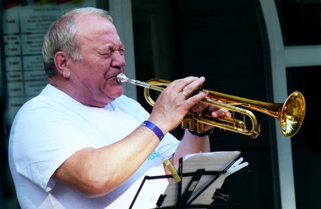 Игорь Бурко на фестивале «Акваджаз» в Сочи, лето 2013 (фото © Кирилл Мошков, «Джаз.Ру»)
