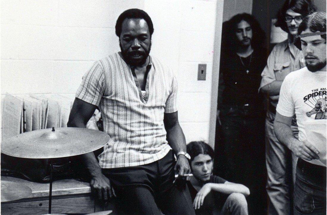 Тэд Джонс со студентами Университета Паттерсона, середина 70-х (photo © Thad Jones Archive at William Paterson University)