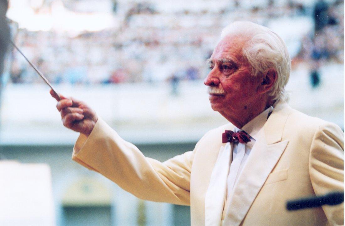 Олег Лундстрем в Большом зале Московской консерватории, 1998 (фото © Павел Корбут)