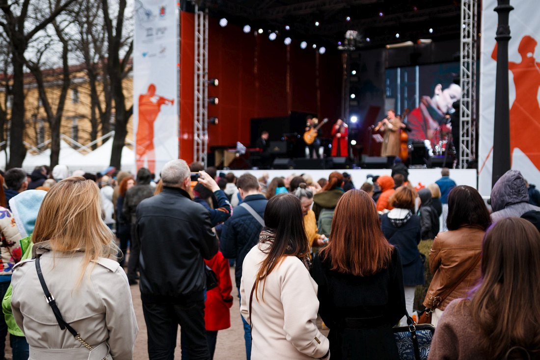 29 апреля. Алина Ростоцкая и jazzmobile на Открытой сцене в Александровском саду