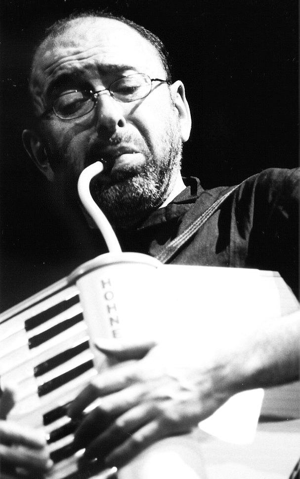 Михаил Альперин на фестивале «Богема Джаз», Москва, апрель 2001 (фото © Павел Корбут)