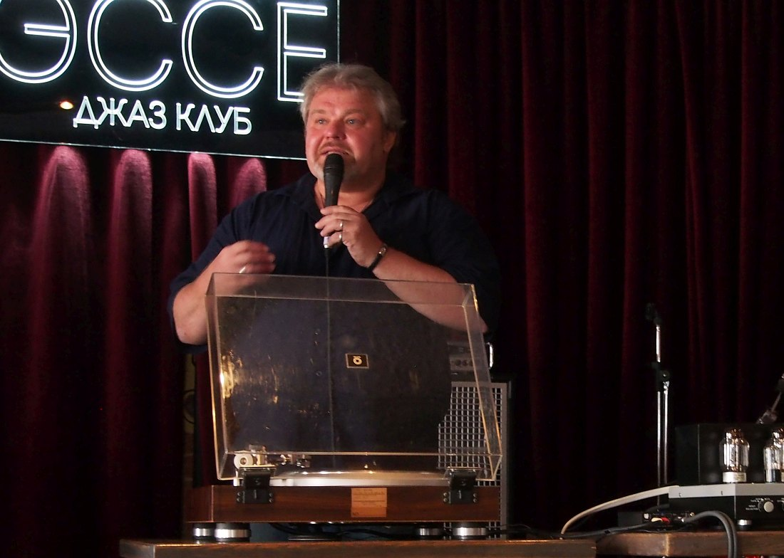 Биг Ник — просветитель: цикл прослушиваний «Джаз винтаж винил» в клубе «Эссе»