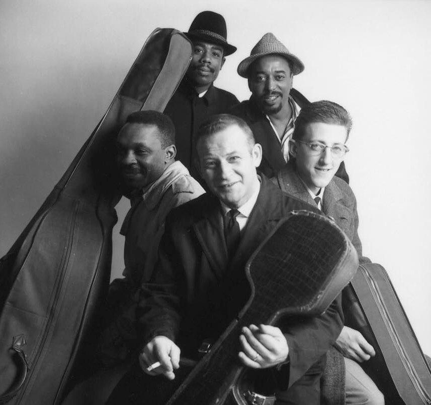 Chico Hamilton Quintet, 1958: вверху Эрик Долфи и Чико Хэмилтон