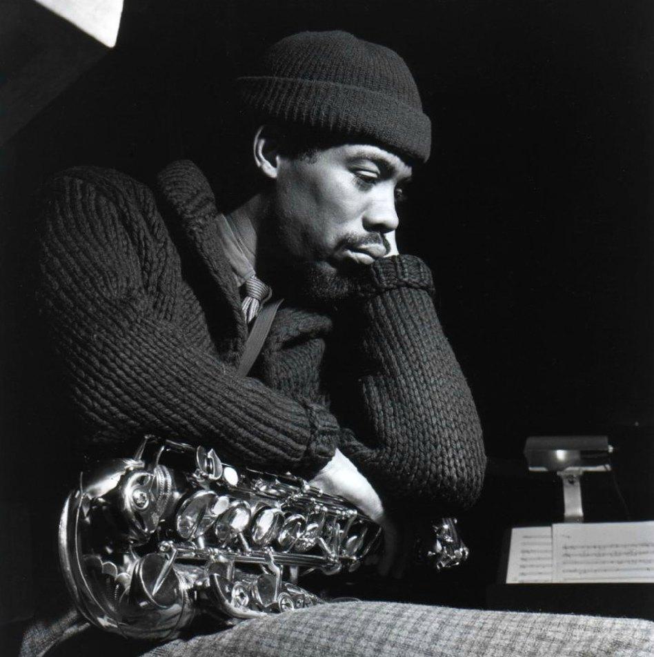 Фотосессия, сделанная штатным фотографом Blue None Фрэнсисом Вулффом на студии Руди Ван Гелдера в Инглвуд-Клиффс, Нью-Джерси, в день записи «Out To Lunch»