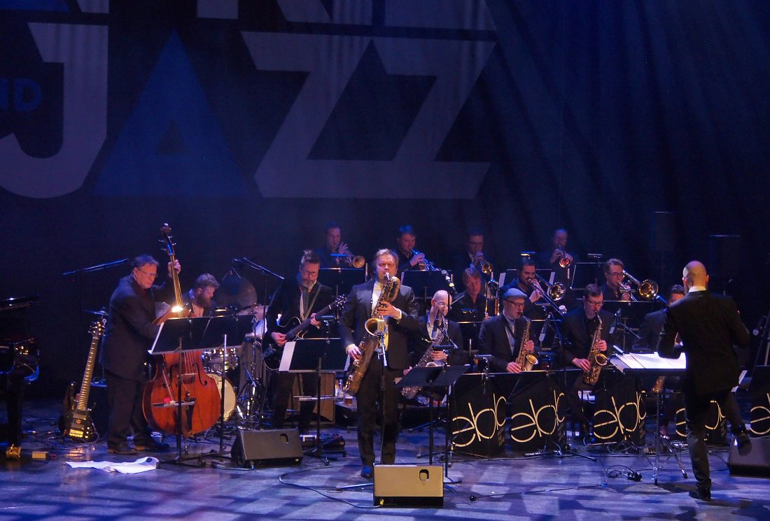 Espoo Big Band. Солирует Микко Иннанен