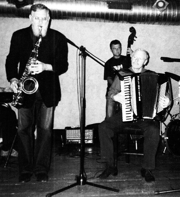 Лу Табакин и Владимир Данилин на сцене клуба «Реставрация»