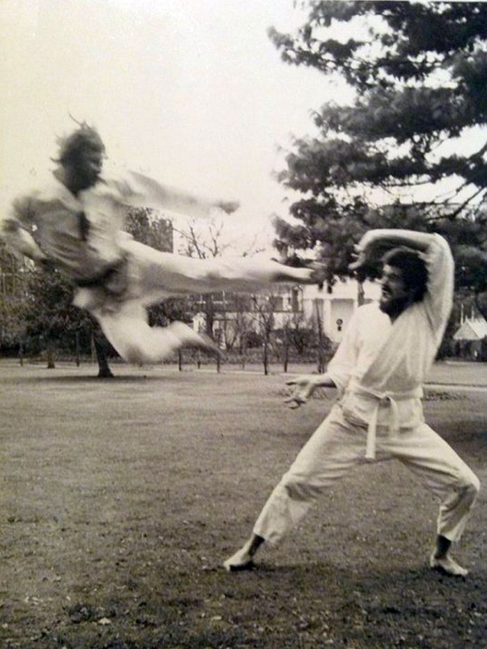 Серж Ермолл (слева) — мастер каратэ-до
