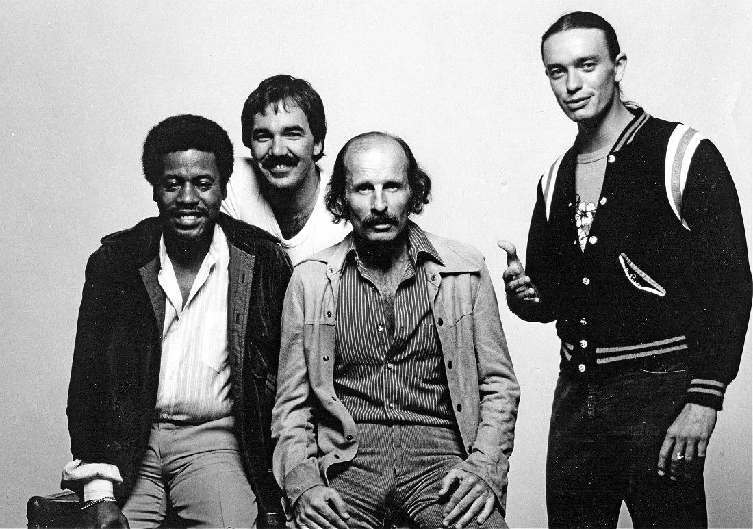 Пресс-фото 1976 года: Шортер, Питер Эрскн, Завинул, Джако Пасториус