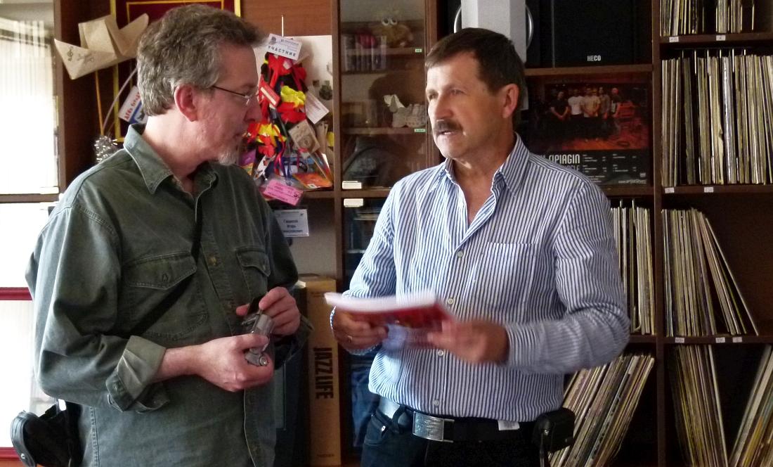 Ларри Эппелбаум и директор Центра исследования джаза Игорь Гаврилов, Ярославль, 2011
