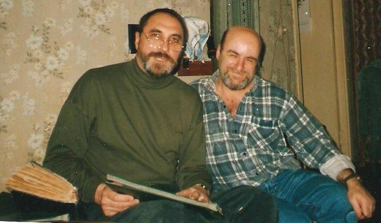 Валерий Коннов, Роман Копп, зима 2002. Разглядываем архивные фотографии.