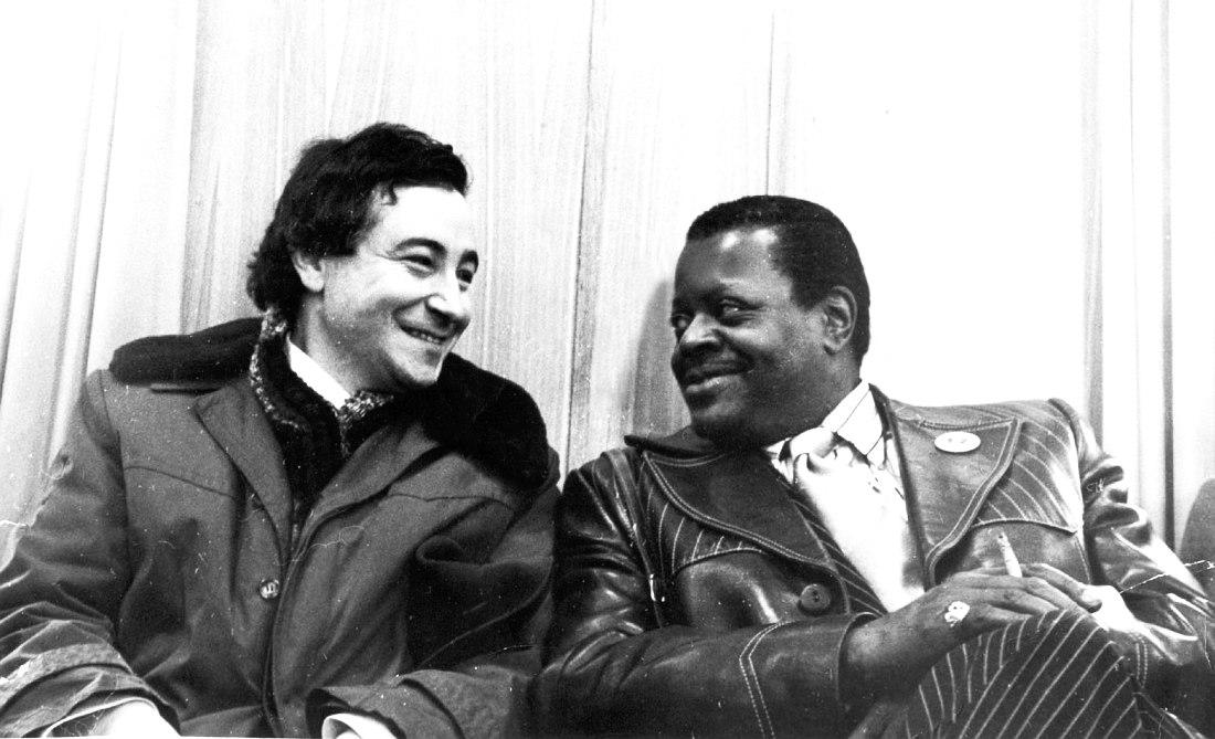 Андрей Товмасян и Оскар Питерсон в аэропорту Шереметьево, ноябрь 1974 (фото из коллекции Центра исследования джаза, Ярославль)