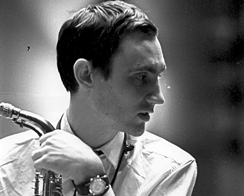 1965. С первым профессиональным саксофоном марки Cohn, впоследствии украденным из подсобки клуба «Печора».