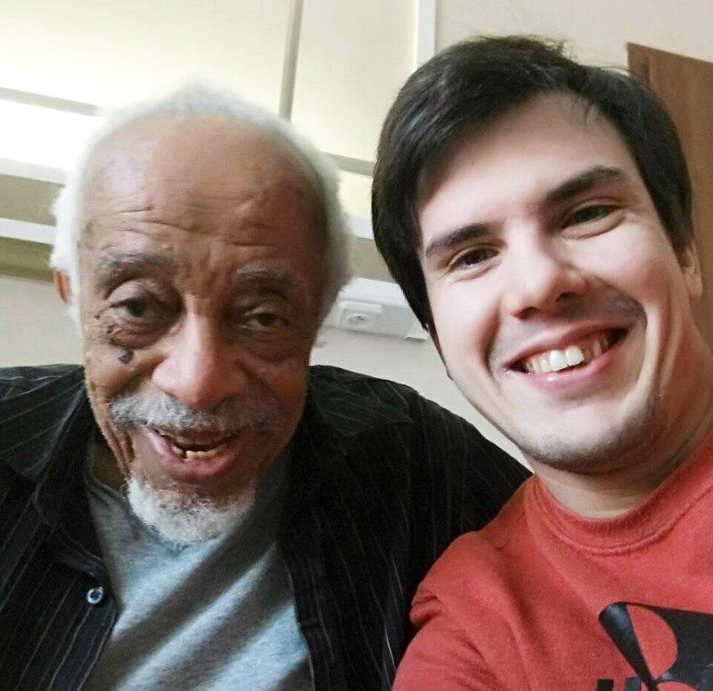 Барри Харрис и барабанщик Егор Крюковских в 1-й Градской больнице 28 ноября