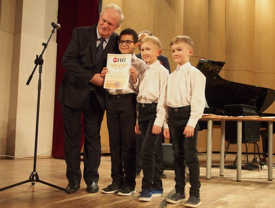Председатель жюри Анатолий Кролл и Jazz Kids (Санкт-Петербург)