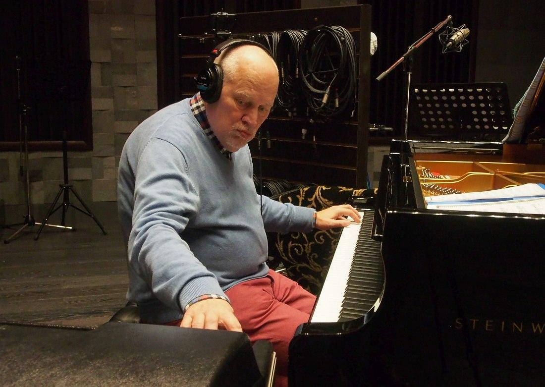 Тыну Найссоо во время записи альбома в московской студии, октябрь 2017 (фото © Кирилл Мошков, «Джаз.Ру»)