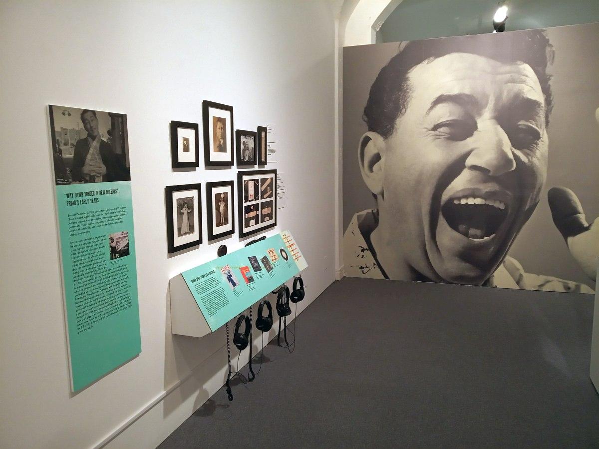 Начало экспозиции, посвящённой Луи Прима