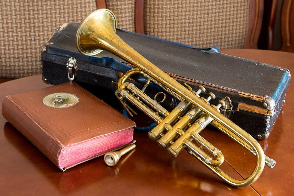 Труба одного из пионеров челябинского джаза Исаака Гельфгата. Фото: Евгения Маркова