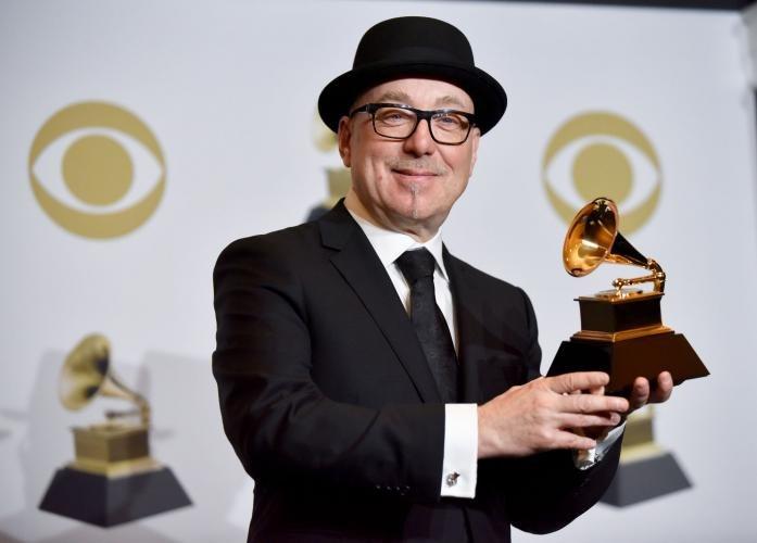 Брайан Линч и его Grammy (фото Jim Ruymen/UPI)